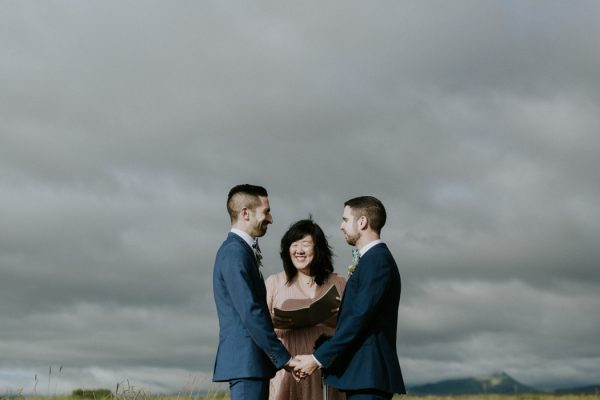 this-gorgeous-marfa-wedding-captures-the-magic-of-west-texas-30