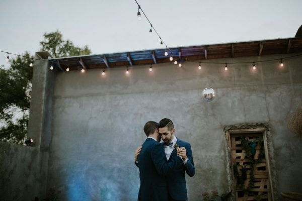 this-gorgeous-marfa-wedding-captures-the-magic-of-west-texas-40