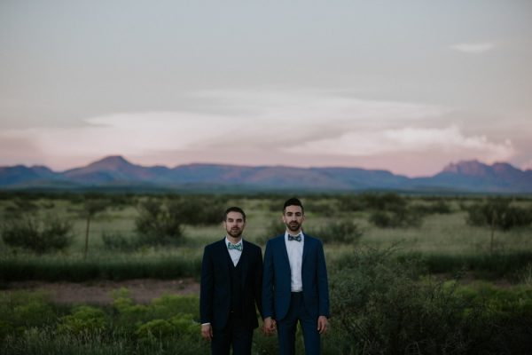 this-gorgeous-marfa-wedding-captures-the-magic-of-west-texas-8