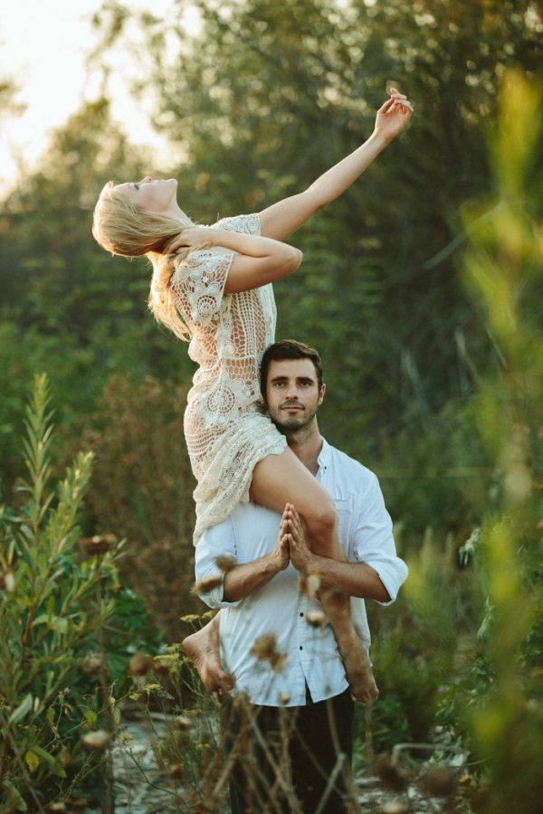 this-ultra-flexible-couple-had-a-yoga-engagement-in-the-woods-16