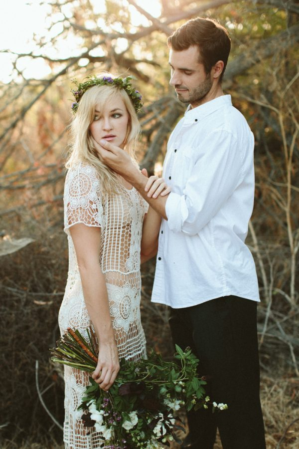 this-ultra-flexible-couple-had-a-yoga-engagement-in-the-woods-4