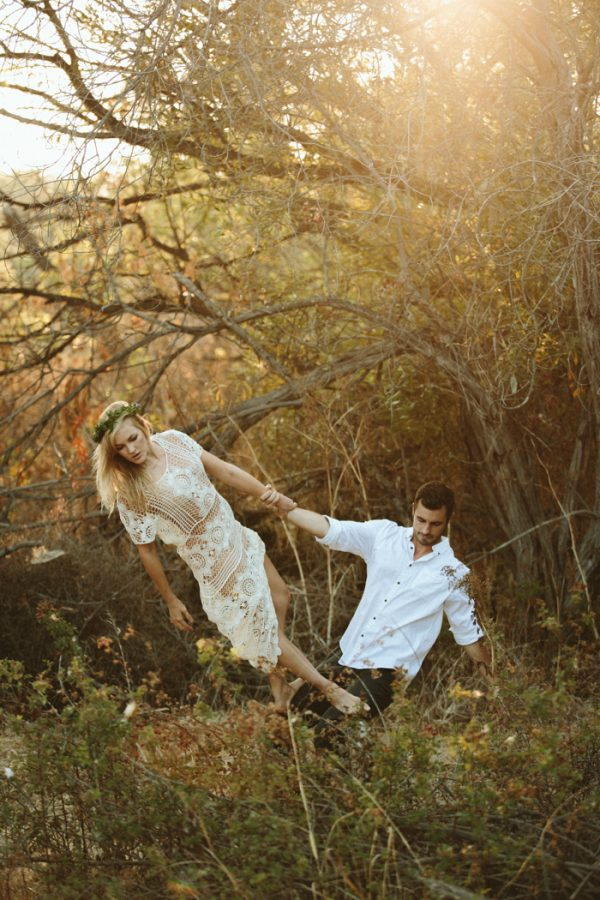 this-ultra-flexible-couple-had-a-yoga-engagement-in-the-woods-7