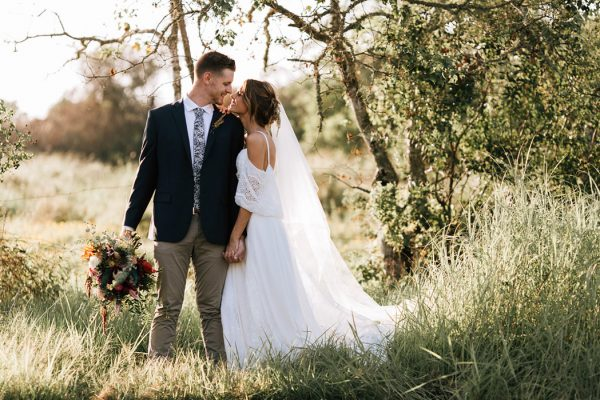 we-have-a-feeling-this-fall-wedding-inspiration-is-exactly-what-youre-looking-for-11