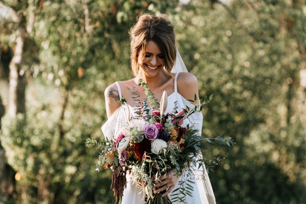 we-have-a-feeling-this-fall-wedding-inspiration-is-exactly-what-youre-looking-for-12