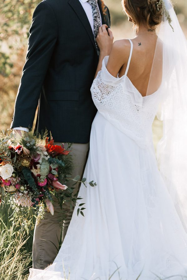 we-have-a-feeling-this-fall-wedding-inspiration-is-exactly-what-youre-looking-for-14