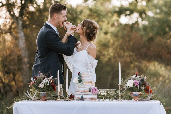 we-have-a-feeling-this-fall-wedding-inspiration-is-exactly-what-youre-looking-for-18
