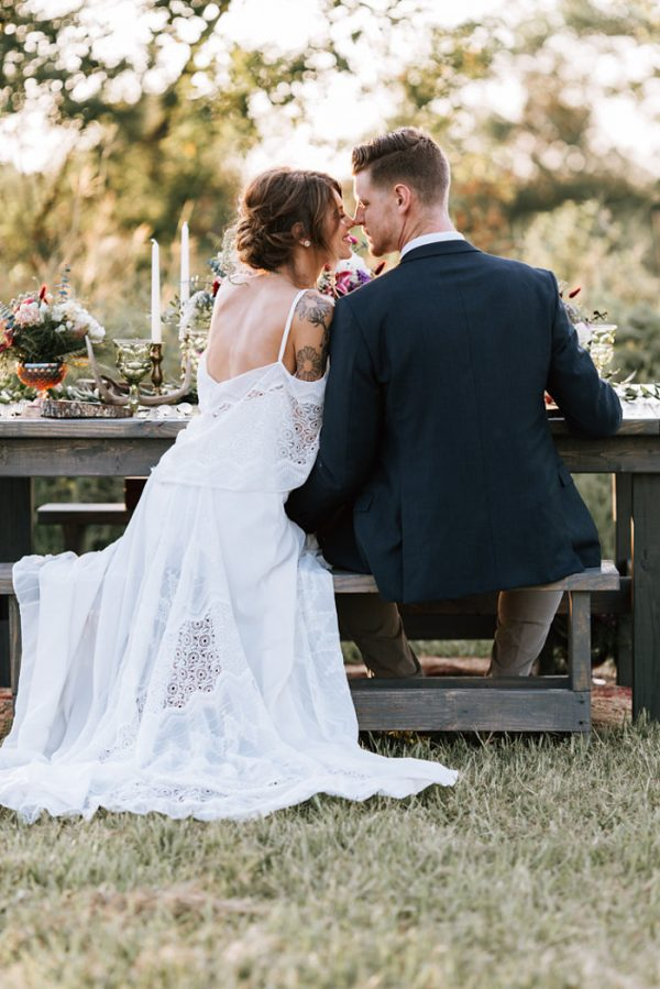 we-have-a-feeling-this-fall-wedding-inspiration-is-exactly-what-youre-looking-for-20