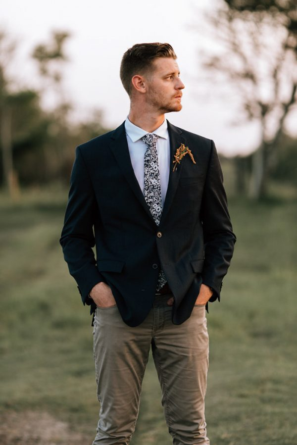 we-have-a-feeling-this-fall-wedding-inspiration-is-exactly-what-youre-looking-for-32