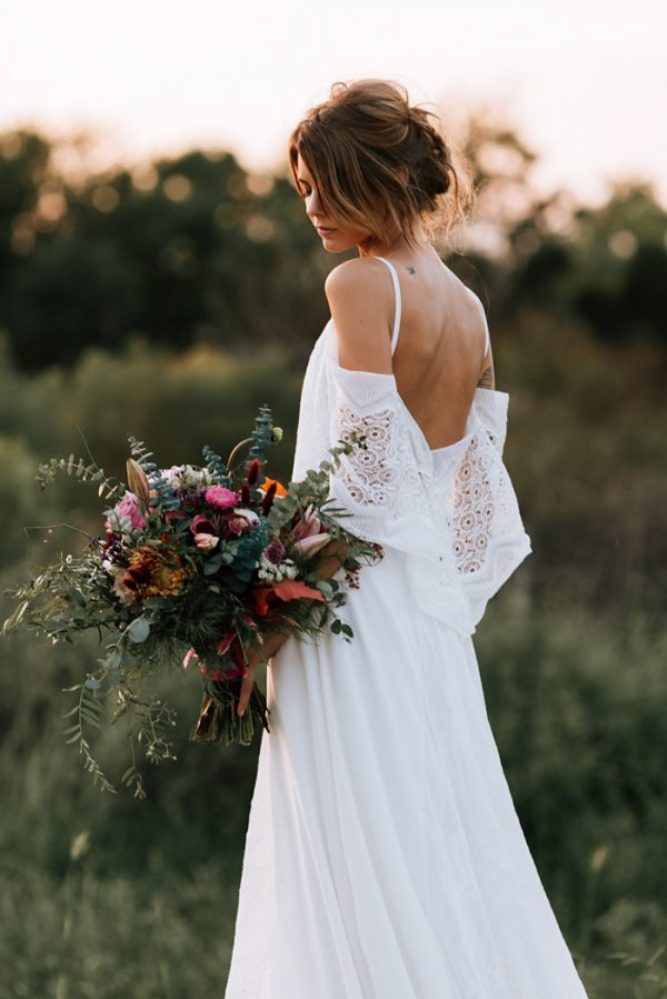 we-have-a-feeling-this-fall-wedding-inspiration-is-exactly-what-youre-looking-for-34