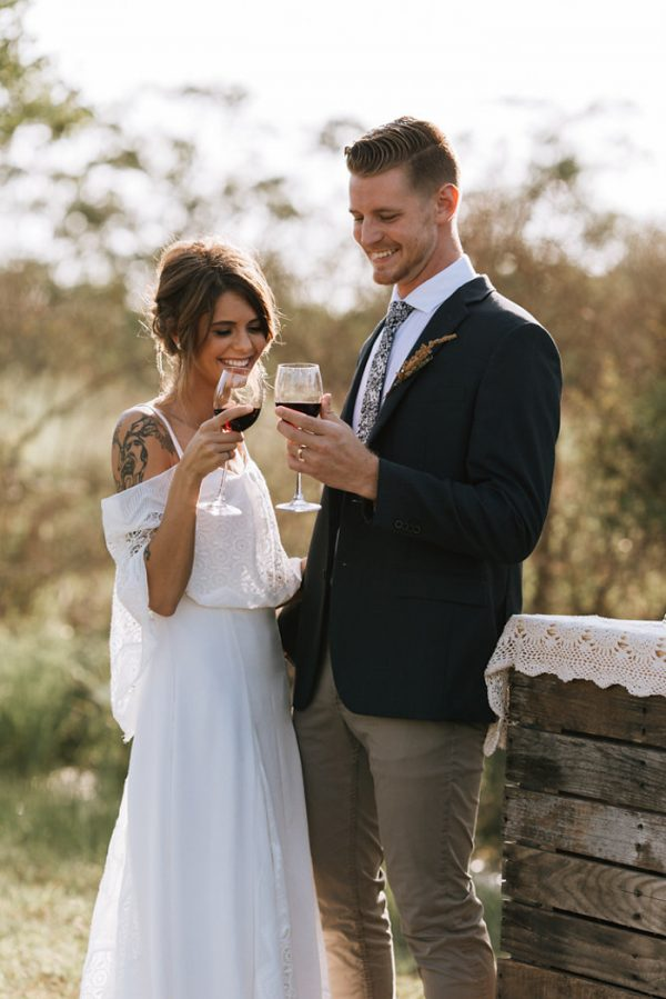 we-have-a-feeling-this-fall-wedding-inspiration-is-exactly-what-youre-looking-for-4