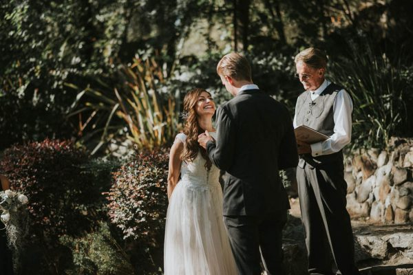 6 Unique Tips For Writing Your Wedding Vows Junebug Weddings