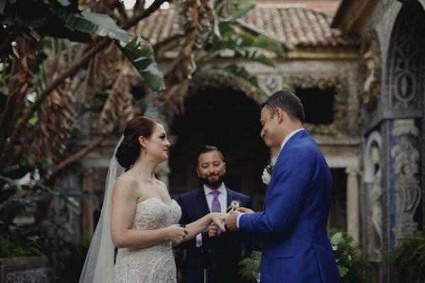 chic-lisbon-wedding-at-fronteira-palace-lookimaginary-16