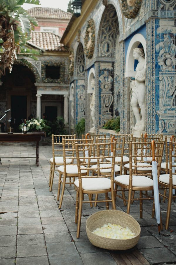 chic-lisbon-wedding-at-fronteira-palace-lookimaginary-3
