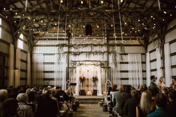 elegant-marsala-and-champagne-manitoba-wedding-at-the-rustic-wedding-barn-ariana-tennyson-photography-37