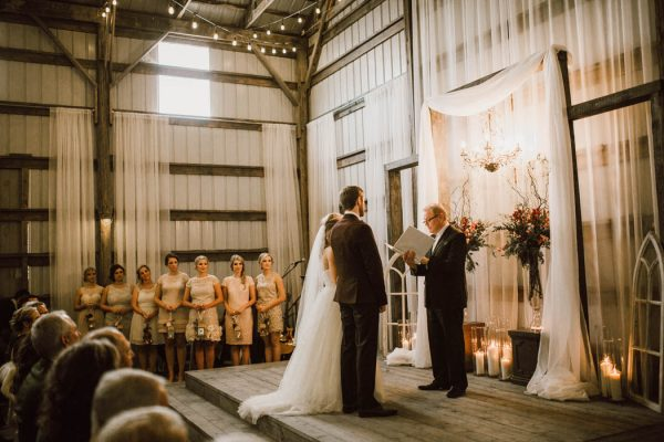 elegant-marsala-and-champagne-manitoba-wedding-at-the-rustic-wedding-barn-ariana-tennyson-photography-42