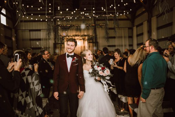 elegant-marsala-and-champagne-manitoba-wedding-at-the-rustic-wedding-barn-ariana-tennyson-photography-49