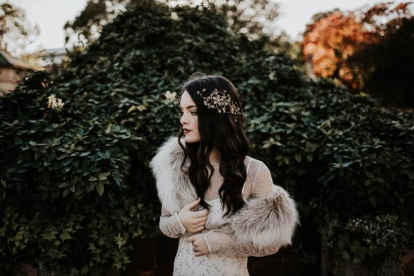 ethereal-and-dark-winter-wedding-inspiration-fresh-and-wood-16