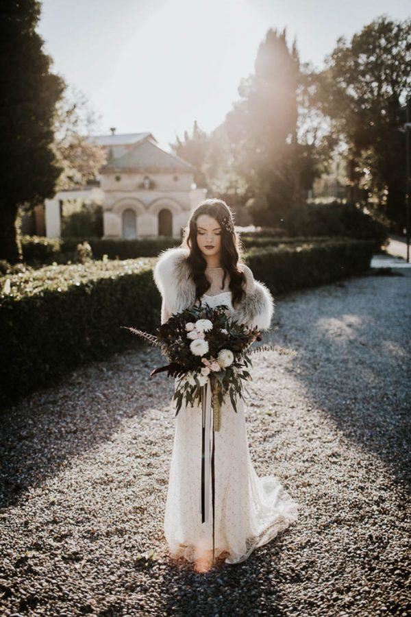 ethereal-and-dark-winter-wedding-inspiration-fresh-and-wood-21
