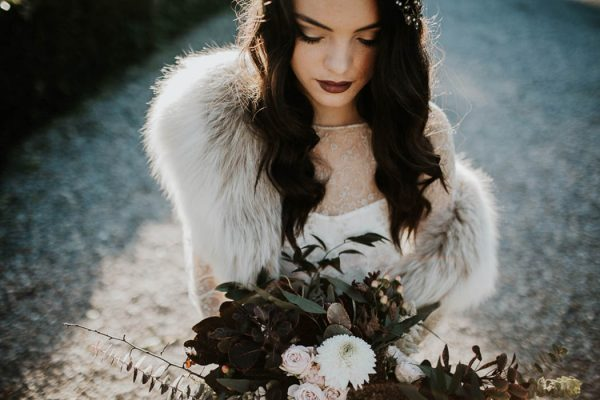 ethereal-and-dark-winter-wedding-inspiration-fresh-and-wood-23