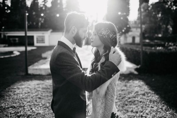 ethereal-and-dark-winter-wedding-inspiration-fresh-and-wood-26