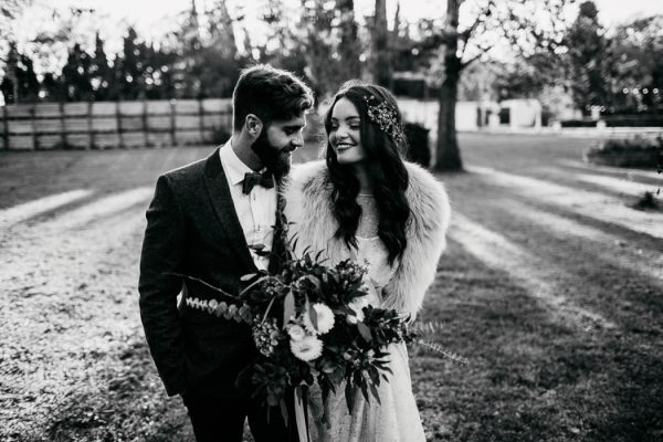ethereal-and-dark-winter-wedding-inspiration-fresh-and-wood-34