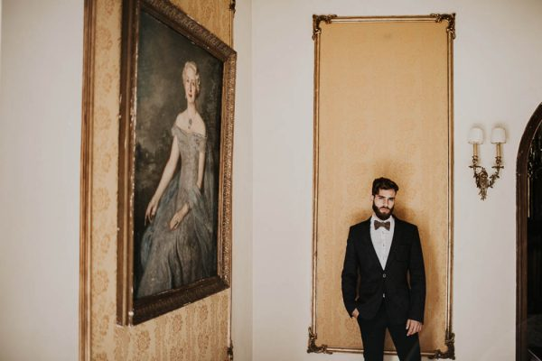 ethereal-and-dark-winter-wedding-inspiration-fresh-and-wood-4