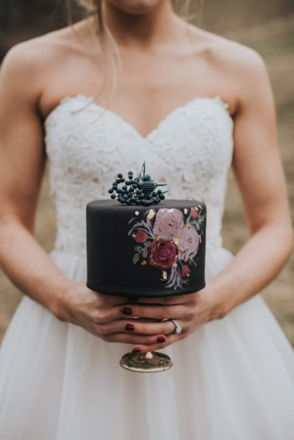 get-your-moody-color-palette-inspiration-from-this-late-fall-wedding-shoot-lindsay-nickel-photography-15
