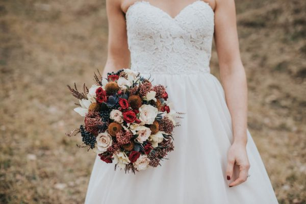 get-your-moody-color-palette-inspiration-from-this-late-fall-wedding-shoot-lindsay-nickel-photography-22