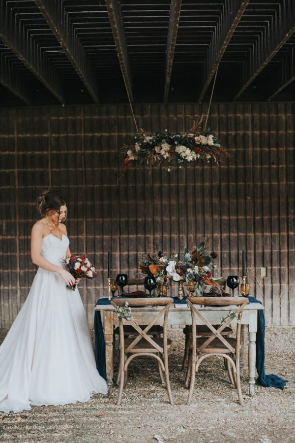 get-your-moody-color-palette-inspiration-from-this-late-fall-wedding-shoot-lindsay-nickel-photography-28