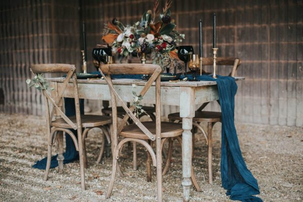 get-your-moody-color-palette-inspiration-from-this-late-fall-wedding-shoot-lindsay-nickel-photography-3
