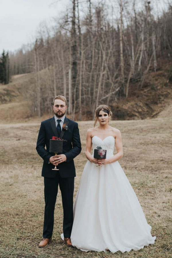 get-your-moody-color-palette-inspiration-from-this-late-fall-wedding-shoot-lindsay-nickel-photography-35