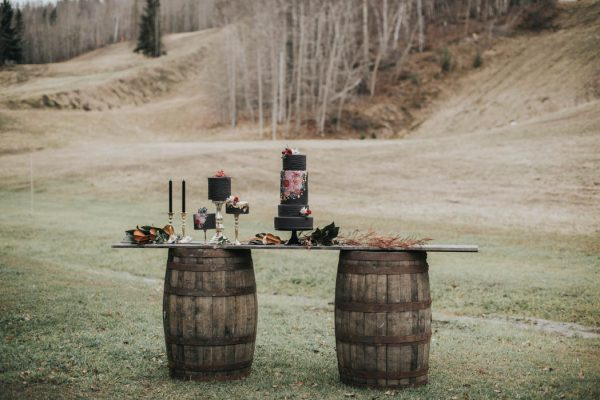 get-your-moody-color-palette-inspiration-from-this-late-fall-wedding-shoot-lindsay-nickel-photography-7
