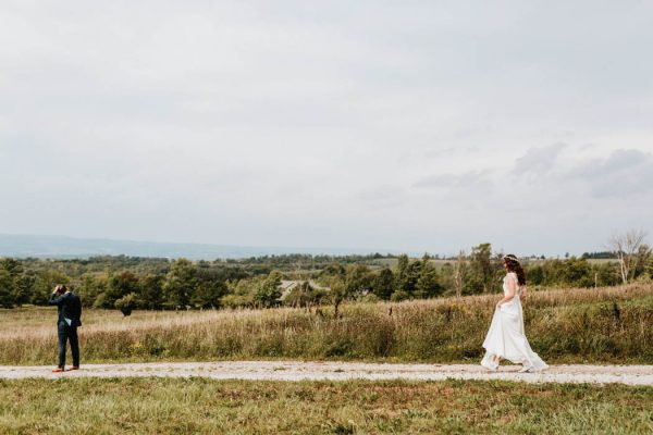 lovely-rustic-ontario-wedding-at-the-georgian-bay-club-laura-rowe-35