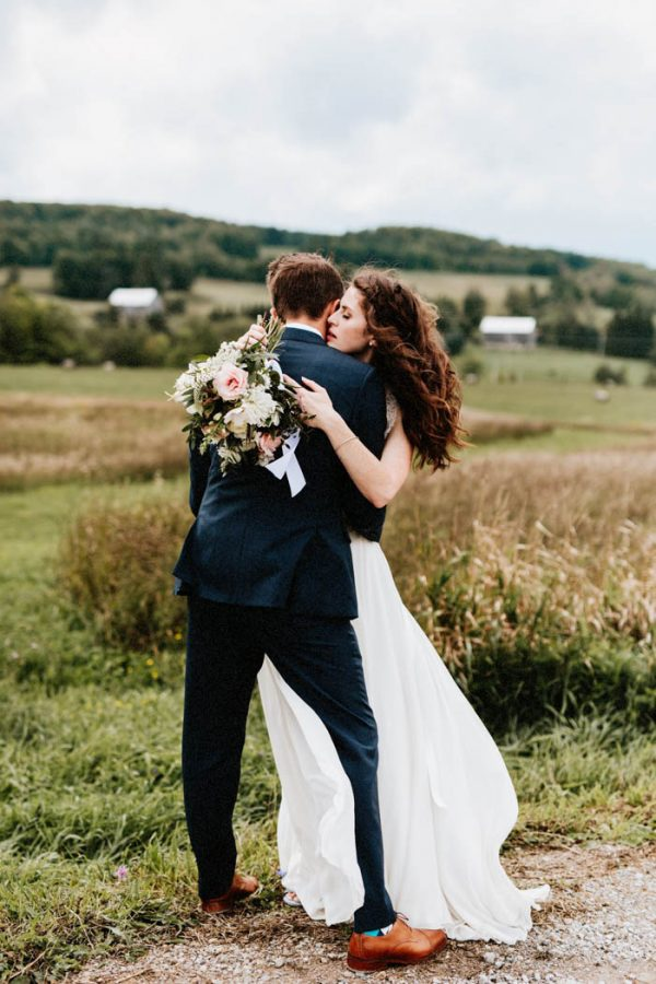 lovely-rustic-ontario-wedding-at-the-georgian-bay-club-laura-rowe-52