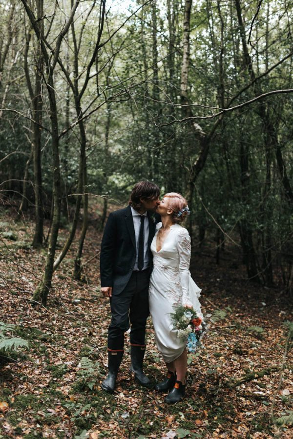minimalist-botanical-wedding-in-a-london-backyard-miss-gen-photography-21
