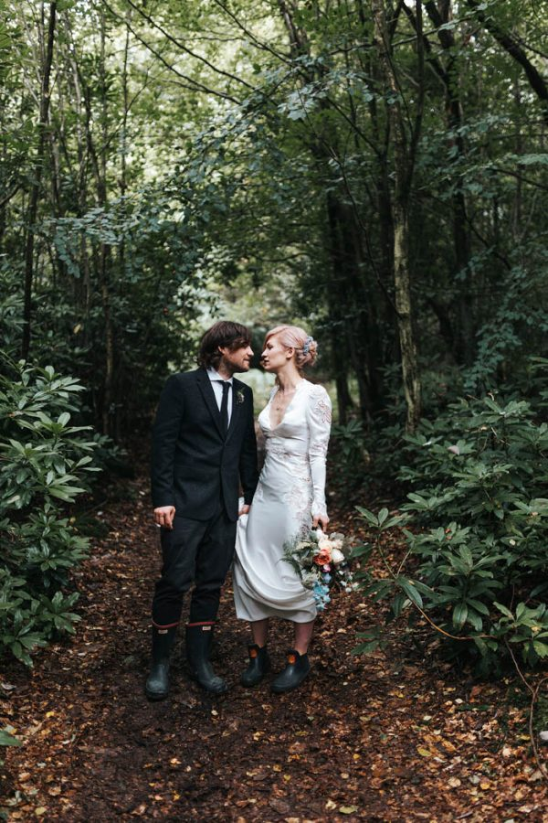 minimalist-botanical-wedding-in-a-london-backyard-miss-gen-photography-25