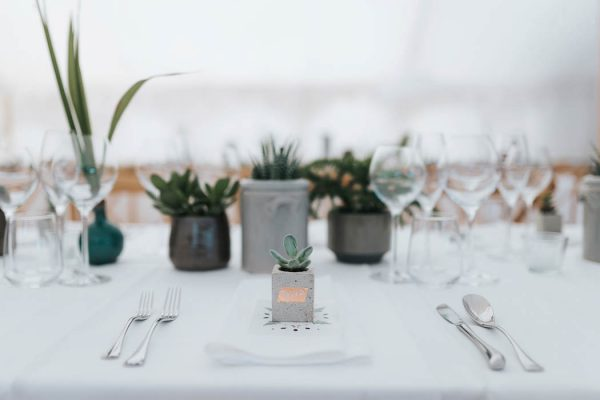minimalist-botanical-wedding-in-a-london-backyard-miss-gen-photography-6