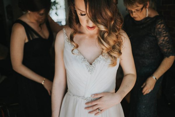 modern-halifax-wedding-at-agricola-street-brasserie-cherie-wootten-8