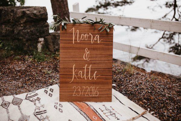 naturally-beautiful-waterfront-wedding-in-finland-patrick-karkkolainen-10