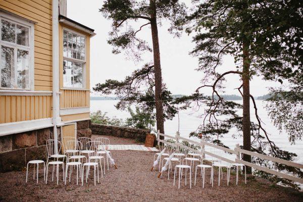 naturally-beautiful-waterfront-wedding-in-finland-patrick-karkkolainen-11