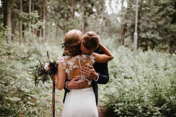 naturally-beautiful-waterfront-wedding-in-finland-patrick-karkkolainen-18