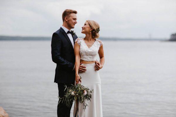 naturally-beautiful-waterfront-wedding-in-finland-patrick-karkkolainen-27