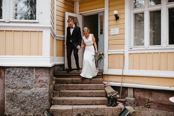 naturally-beautiful-waterfront-wedding-in-finland-patrick-karkkolainen-47