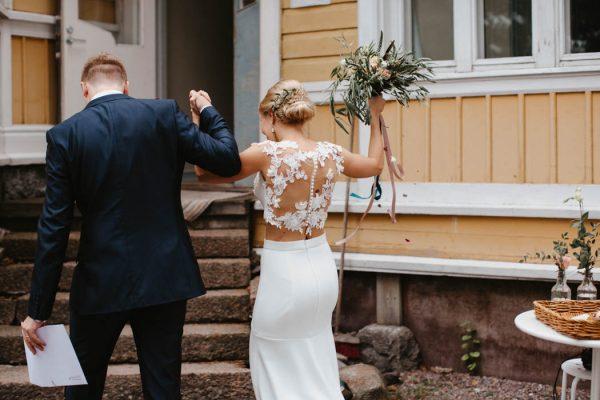 naturally-beautiful-waterfront-wedding-in-finland-patrick-karkkolainen-55