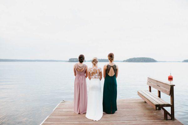 naturally-beautiful-waterfront-wedding-in-finland-patrick-karkkolainen-62