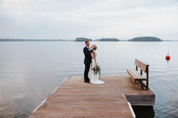 naturally-beautiful-waterfront-wedding-in-finland-patrick-karkkolainen-63