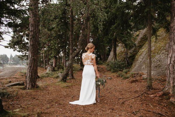 naturally-beautiful-waterfront-wedding-in-finland-patrick-karkkolainen-66