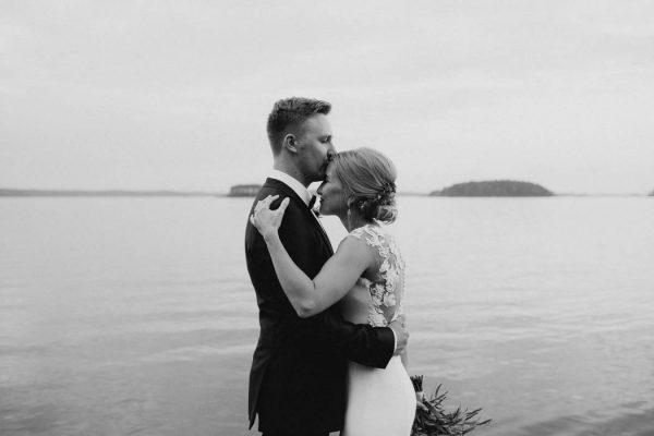 naturally-beautiful-waterfront-wedding-in-finland-patrick-karkkolainen-71