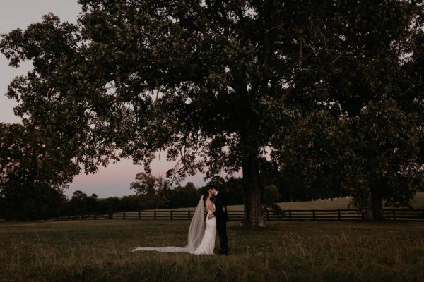 pumpkin-filled-fall-wedding-at-moss-mountain-farm-cody-and-allison-photography-42