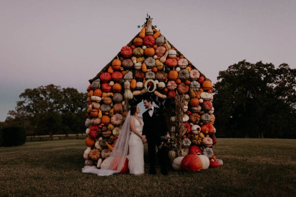 pumpkin-filled-fall-wedding-at-moss-mountain-farm-cody-and-allison-photography-45